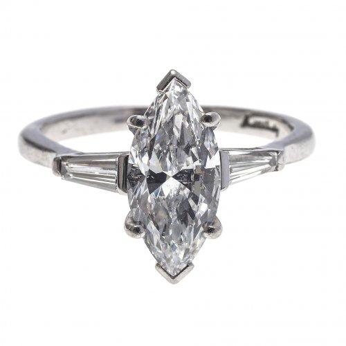 Ring.  Diamant in Navetteform. WG.
