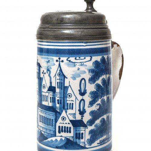 Walzenkrug. Blaumalerei. Stadtansicht. H. 27 cm.