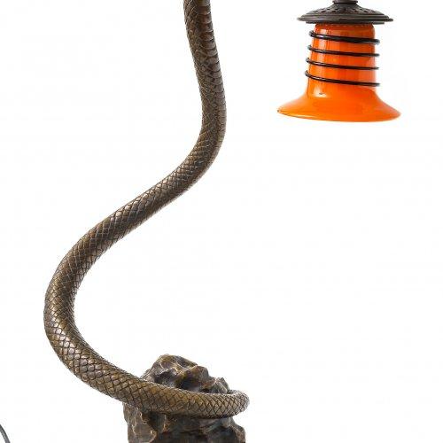 Tischlampe. Bronze. Sich aufbäumende Schlange. Glasschirm. H.67 cm.