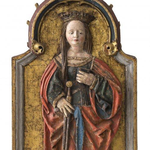 Klocker, Hans, Werkstatt. Hl. Katharina. Relief (aus einem Altarflügel), um 1500. 84 x 38 cm. Rest., erg.