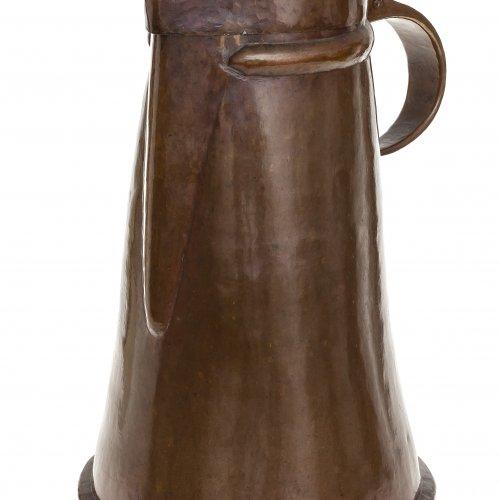 Deckelkanne. Süddeutsch, 18. Jh. Kupfer, Deckel getrieben. H. 43 cm.