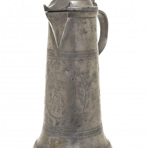 Schnabelstitze. Zinn. Gemarkt, dat. 1844.  H. 32 cm.