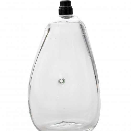 Nabelflasche, farbloses Glas, Zinnschraubverschluss, H. 22 cm.
